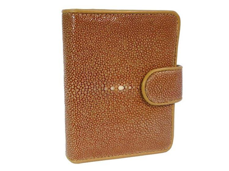 Женский кошелек из полированного ската   Купить за 4 410 руб. в  интернет-магазине